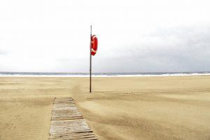 beach-2424345_1280